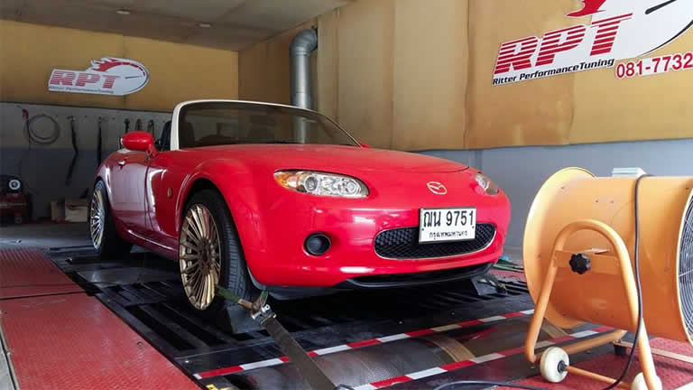 Mazda MX5 2008 on the rolling-road