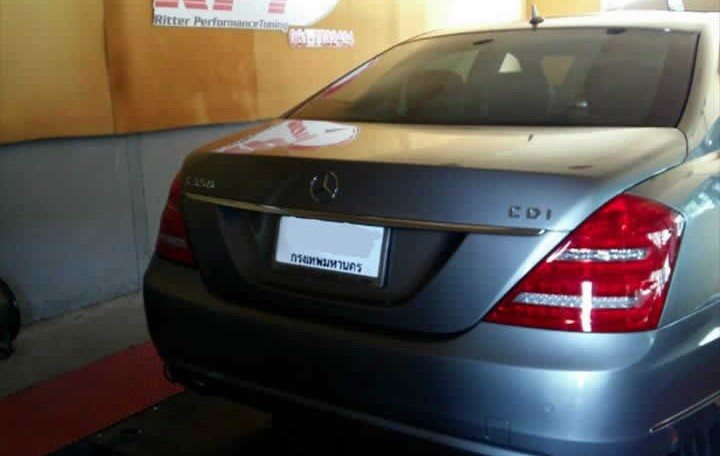 2013 Mercedes S350 rear view on dyno